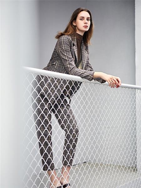 丝雨桐女装产品图片