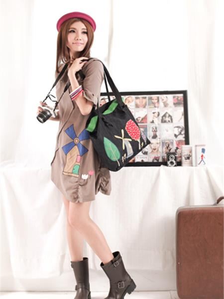 AI女装产品图片