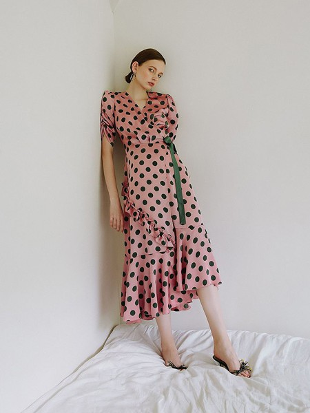 雀啡女装产品图片