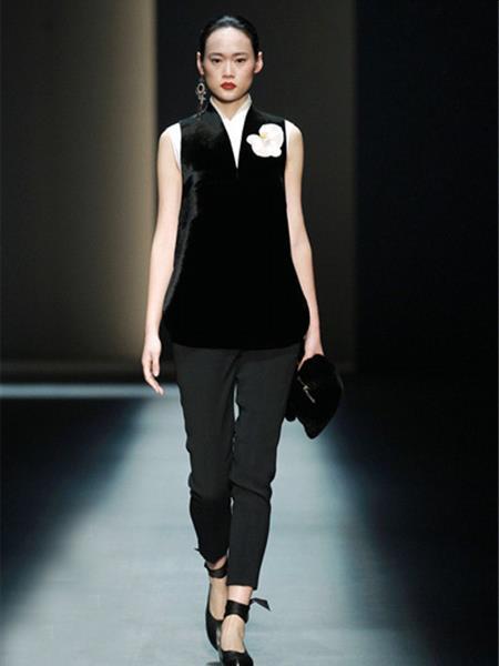ZHUCHONGYUN女装产品图片