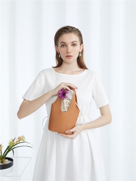 方示女装产品图片