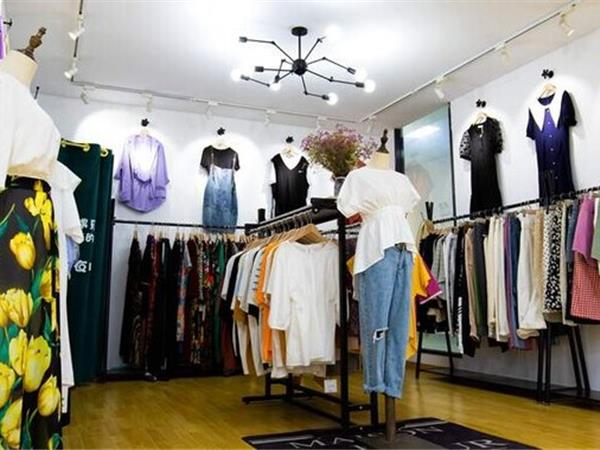 珂希莉女装店铺展示