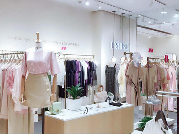 方示女装店铺展示