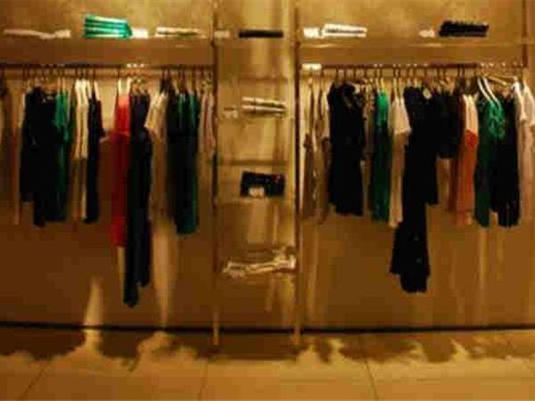 GUESS女装店铺展示