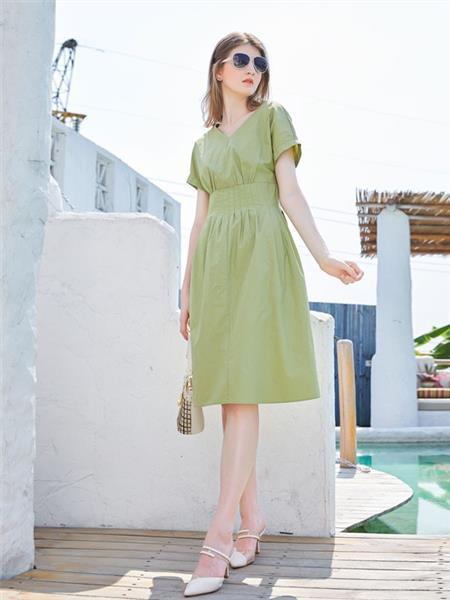 金蝶茜妮女装产品图片