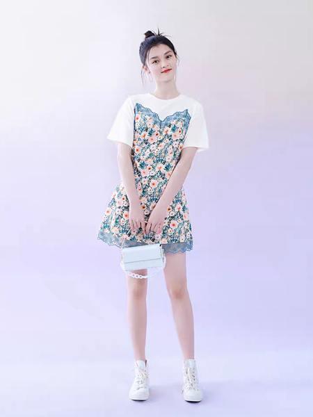太平鸟女装产品图片