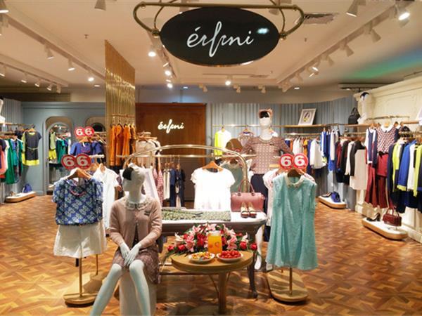 伊芙丽女装店铺展示