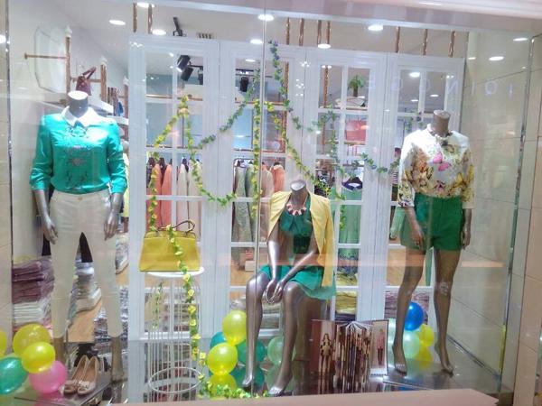 迪笛欧女装店铺展示